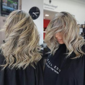 צבע שער בלונד מקצועי בעפולה אורטל אדרי עיצוב שיער