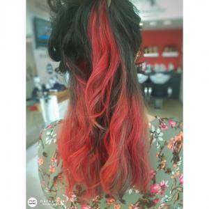 בליאז' צבעוני אדום בעפולה אורטל אדרי עיצוב שיער