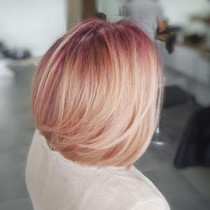 צבע שיער ורוד עדין מספרת אוטרל אדרי בעפולה