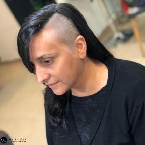 תספורת נשים חצי גלח שיער שחור אורטל אדרי עיצוב שיער